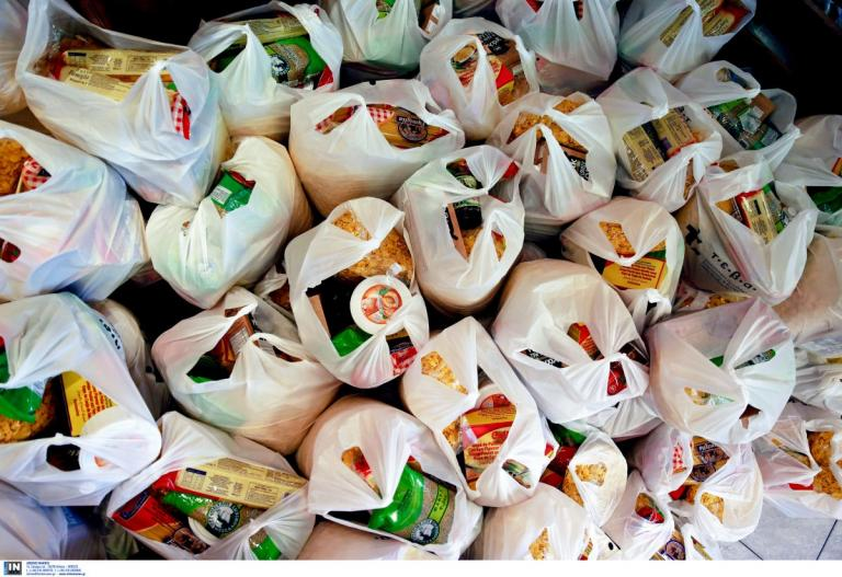 Διανομή δωρεάν τροφίμων και ειδών παντοπωλείου για 300 νοικοκυριά δικαιούχους ΤΕΒΑ